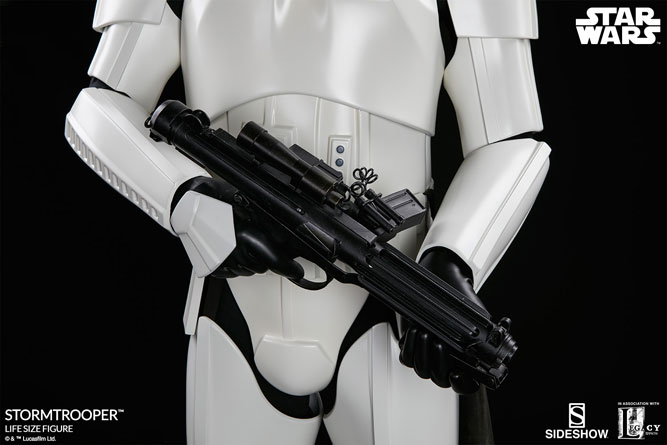 sideshow-life-size-stormtrooper-11