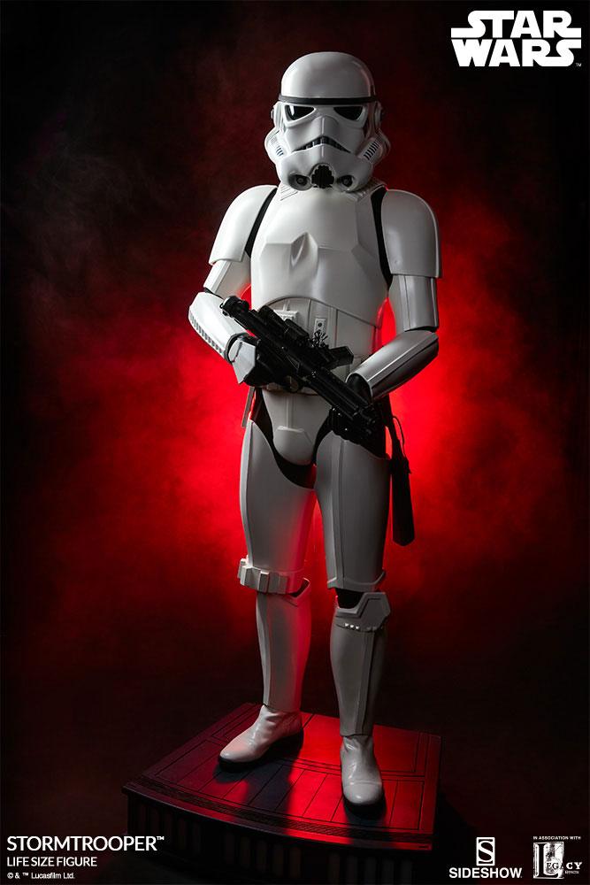 sideshow-life-size-stormtrooper-2