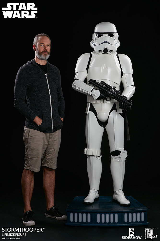 sideshow-life-size-stormtrooper-3
