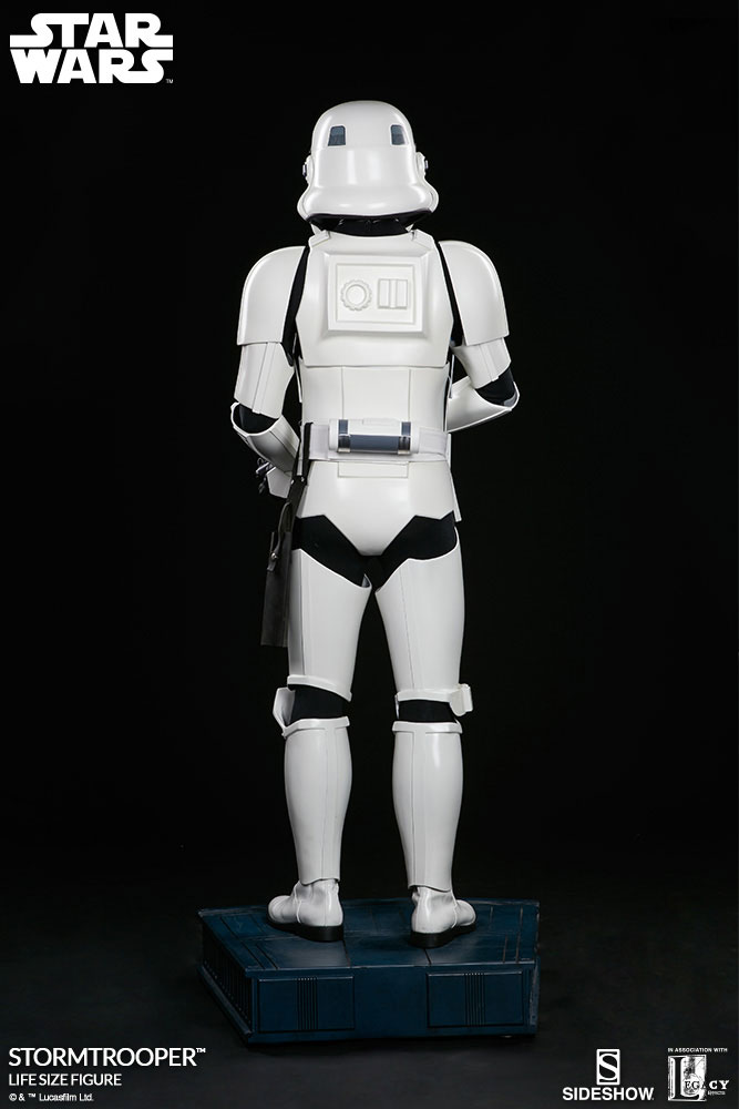 sideshow-life-size-stormtrooper-5