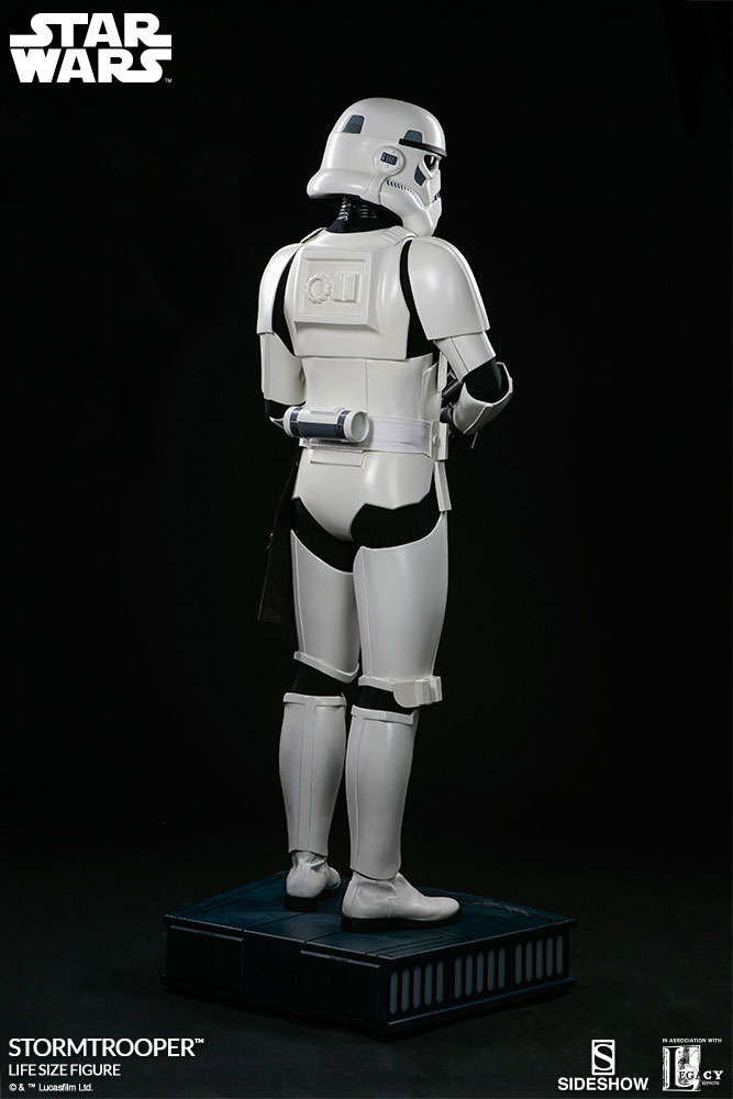 sideshow-life-size-stormtrooper-6