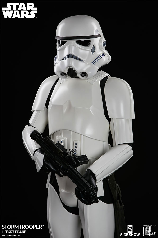 sideshow-life-size-stormtrooper-7