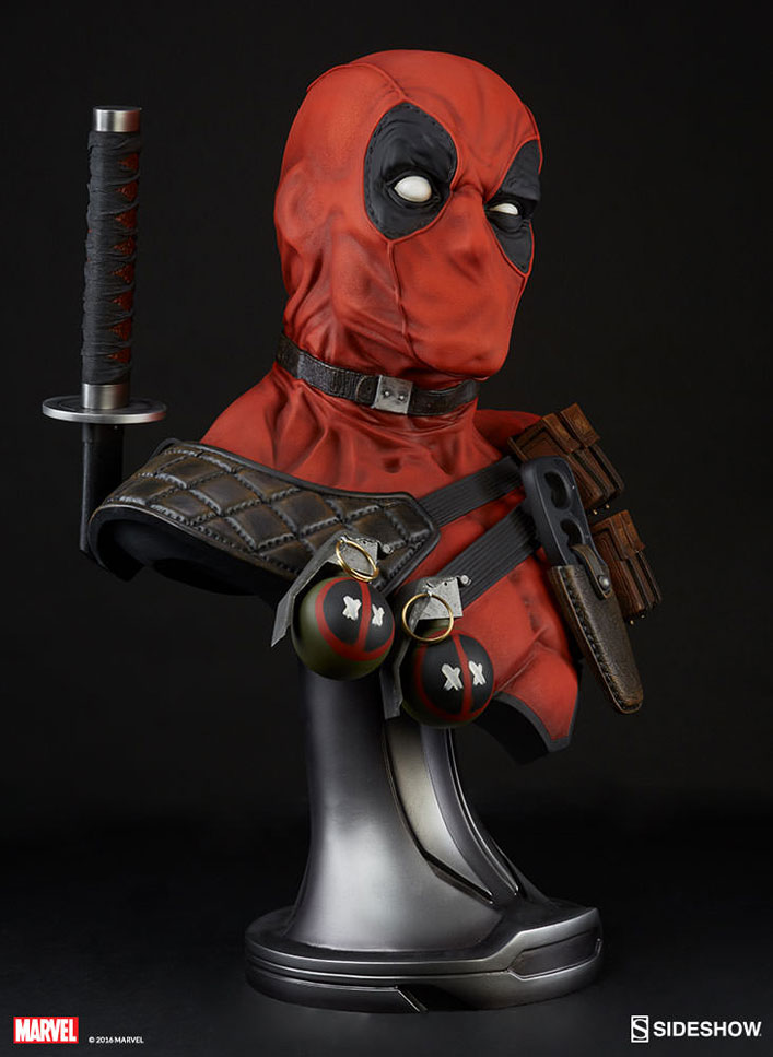 deadpool-lifesize-bust-sideshow-4