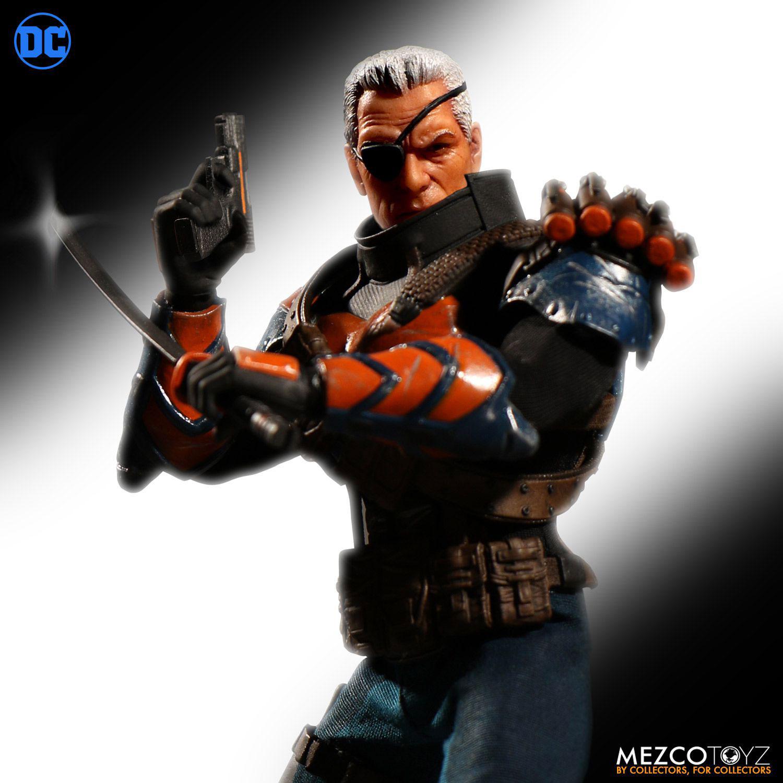 deathstroke-mezco-one-12-action-figure-4