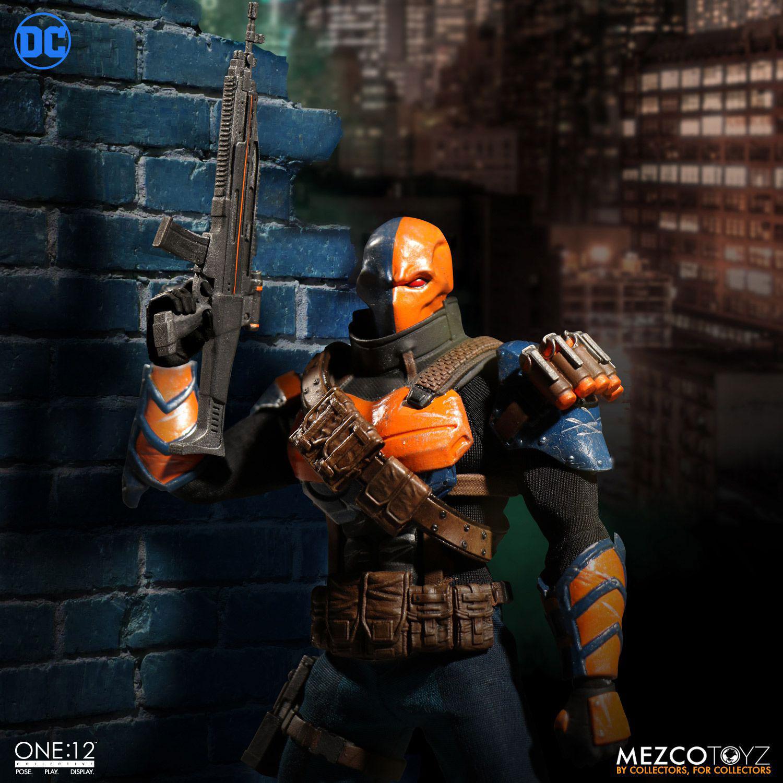 deathstroke-mezco-one-12-action-figure-6