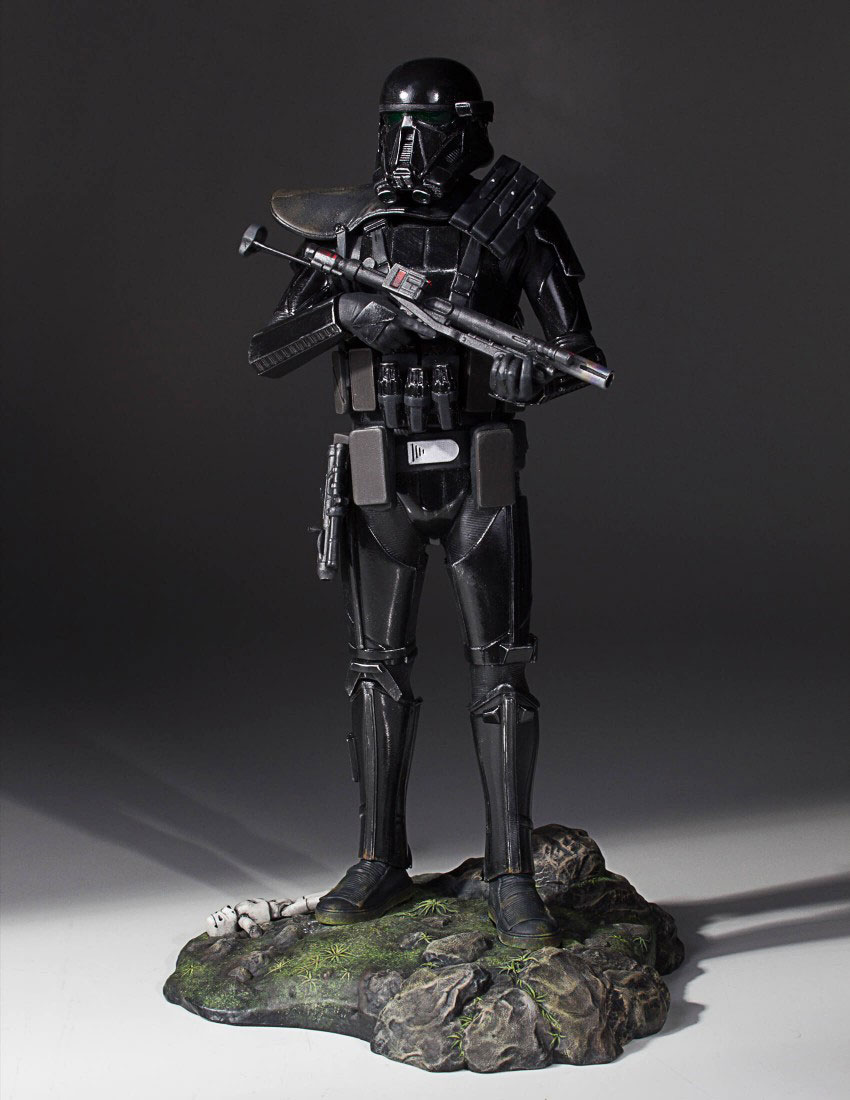 star-wars-rogue-one-death-trooper-statue-gentle-giant-2