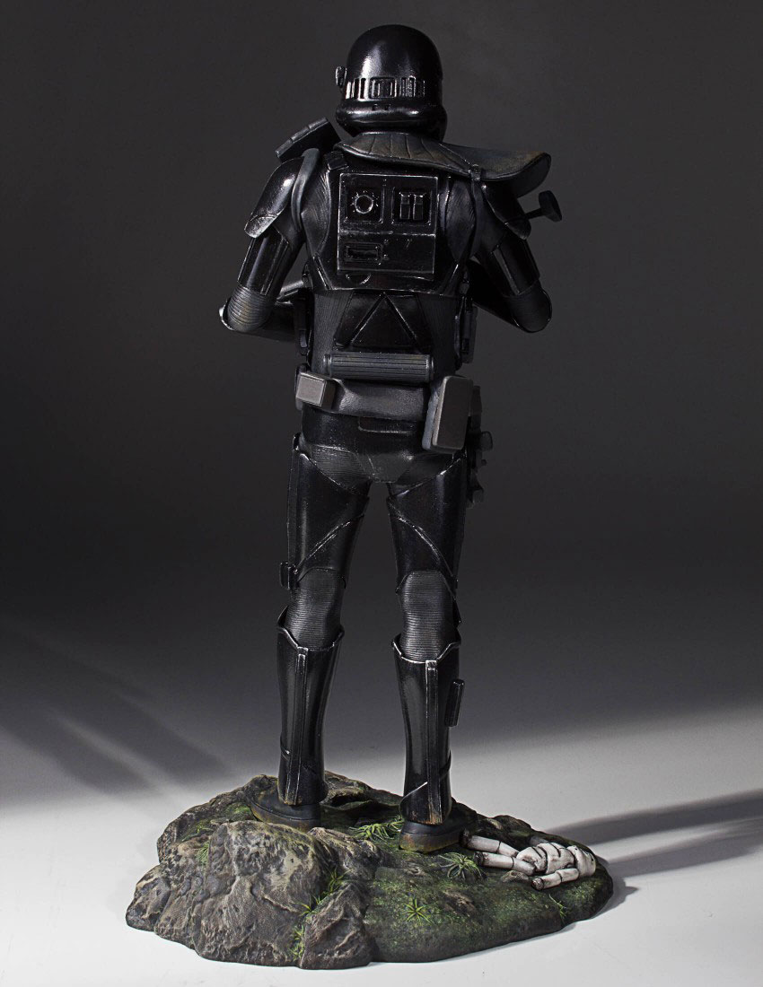 star-wars-rogue-one-death-trooper-statue-gentle-giant-4