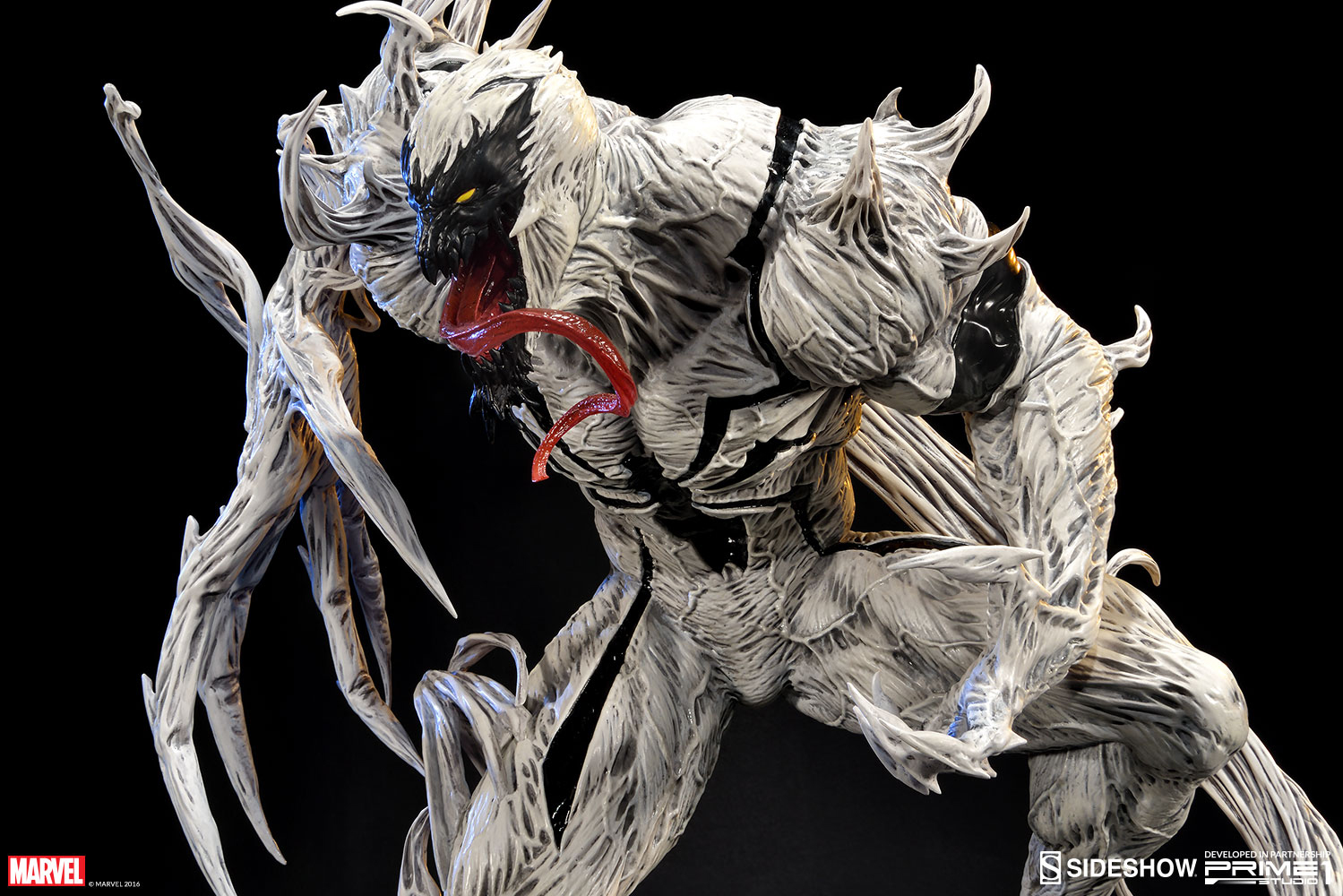 anti-venom-statue-sideshow-1