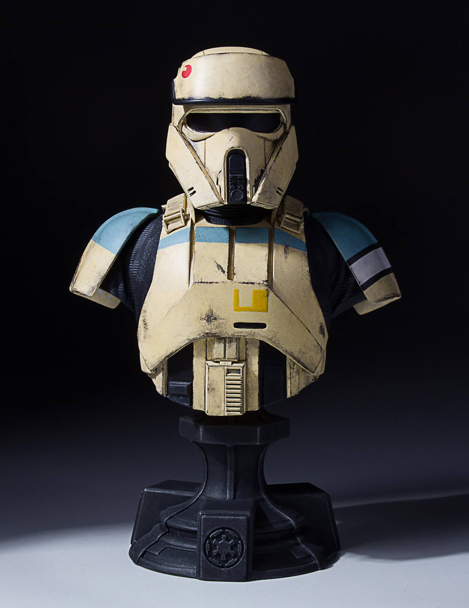 star-wars-rogue-one-shoretrooper-bust-statue-gentle-giant-2