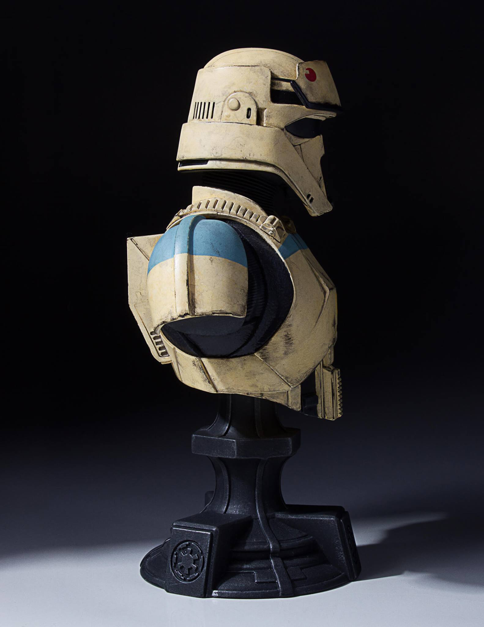 star-wars-rogue-one-shoretrooper-bust-statue-gentle-giant-3