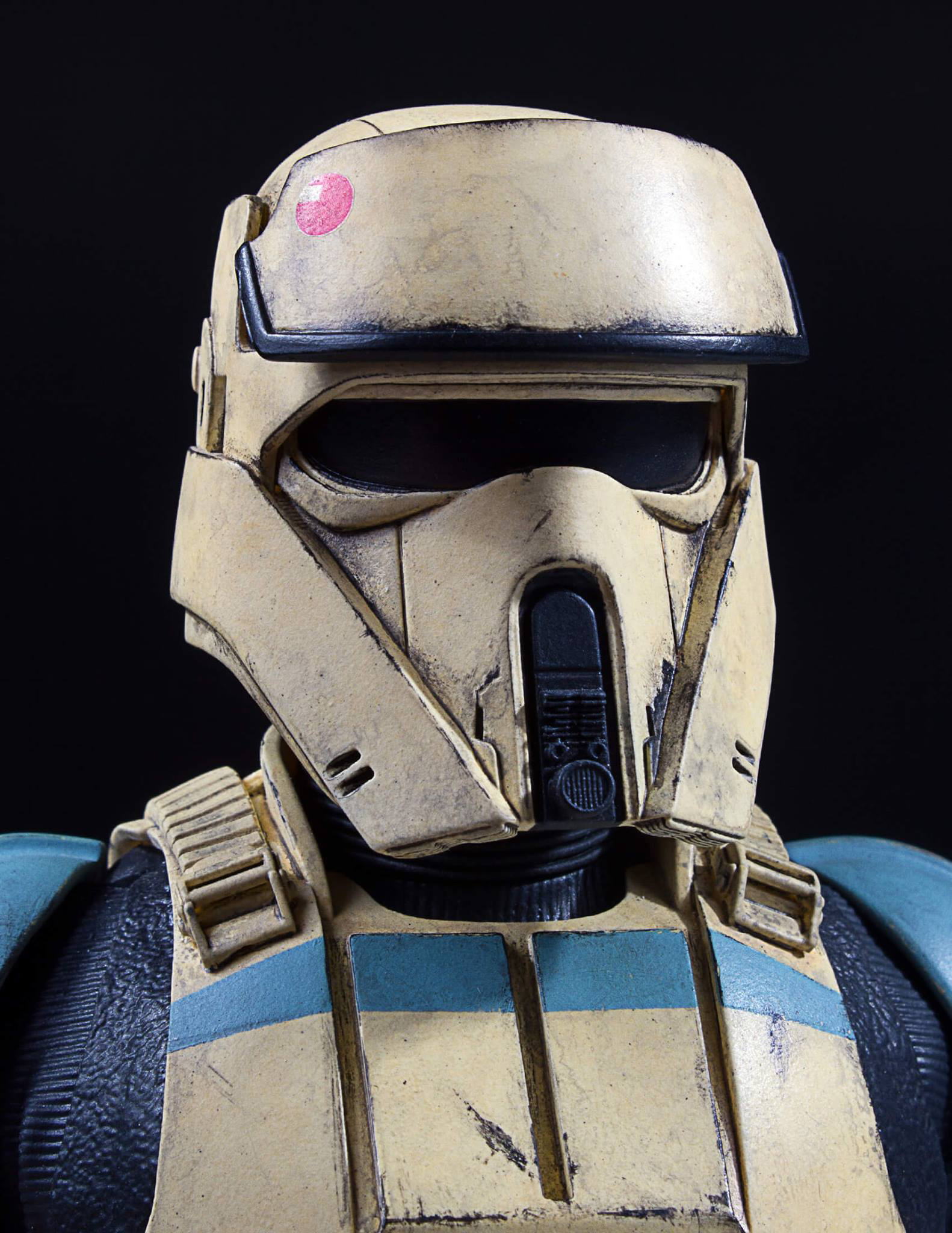 star-wars-rogue-one-shoretrooper-bust-statue-gentle-giant-5
