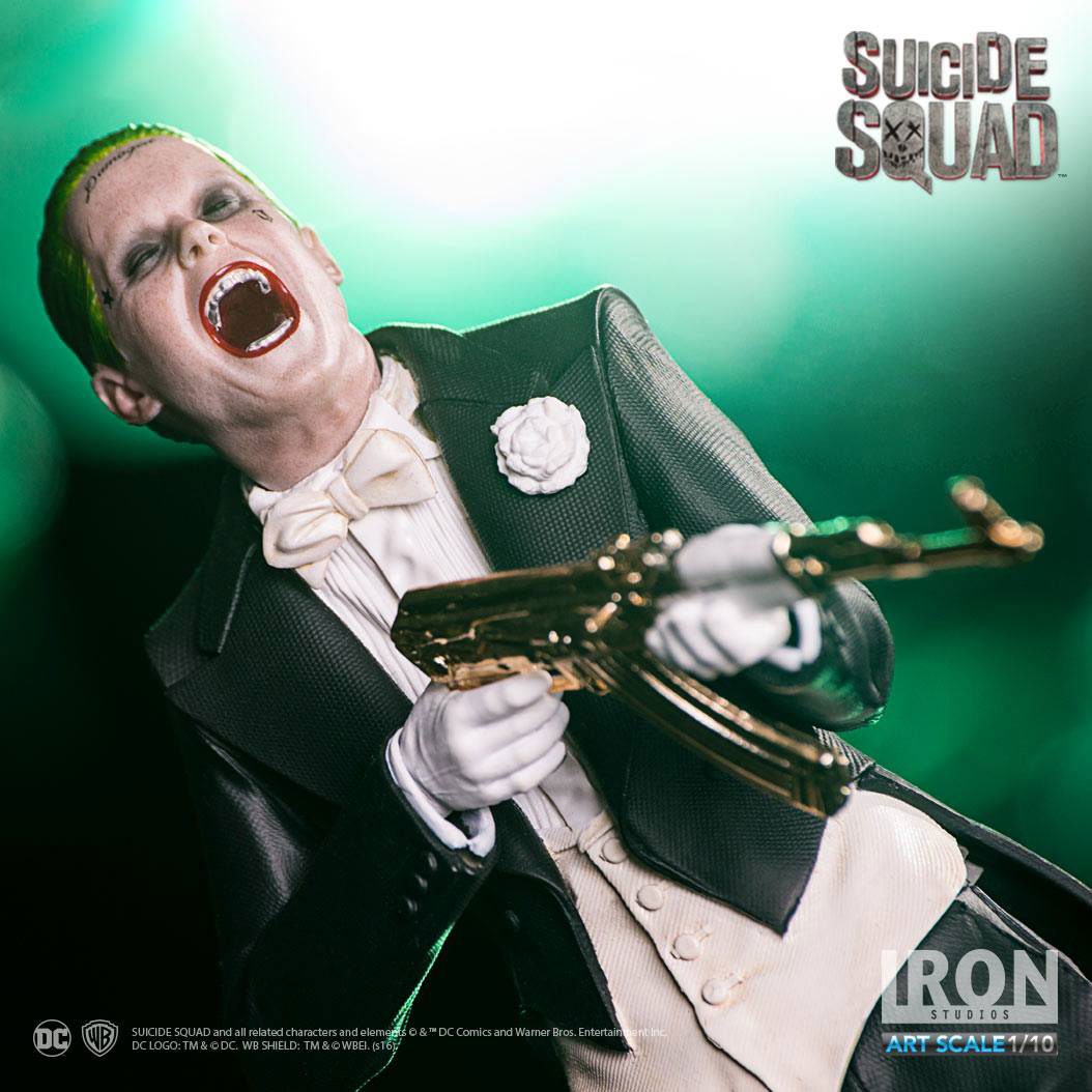 suicide-squad-the-joker-statue-iron-studios-1