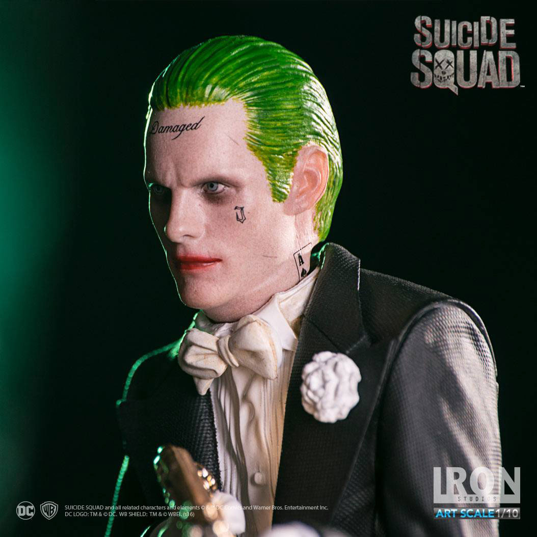 suicide-squad-the-joker-statue-iron-studios-2