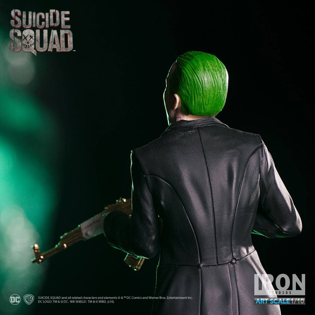 suicide-squad-the-joker-statue-iron-studios-3