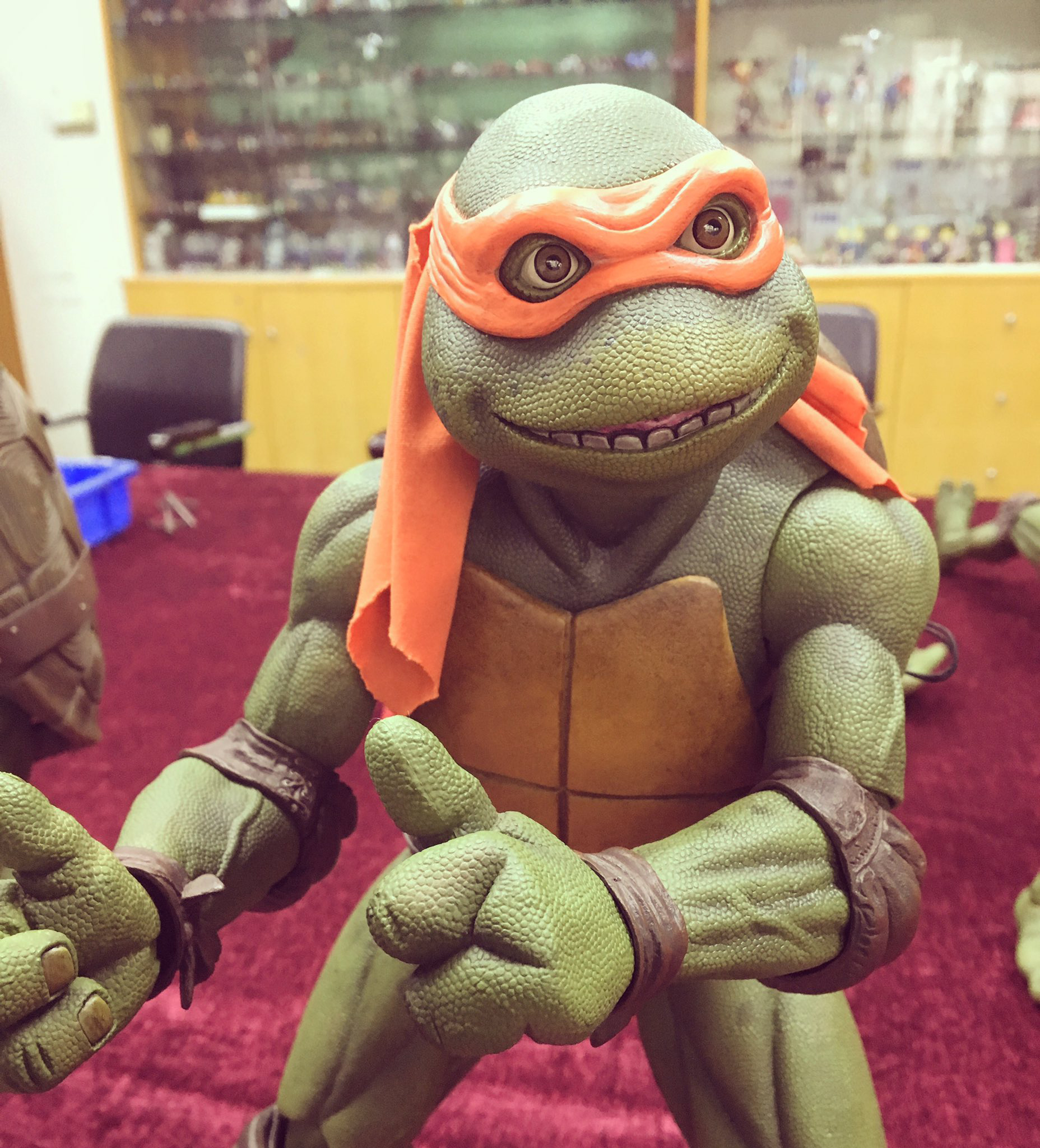 neca-tmnt-1990-michelangelo-closer-look
