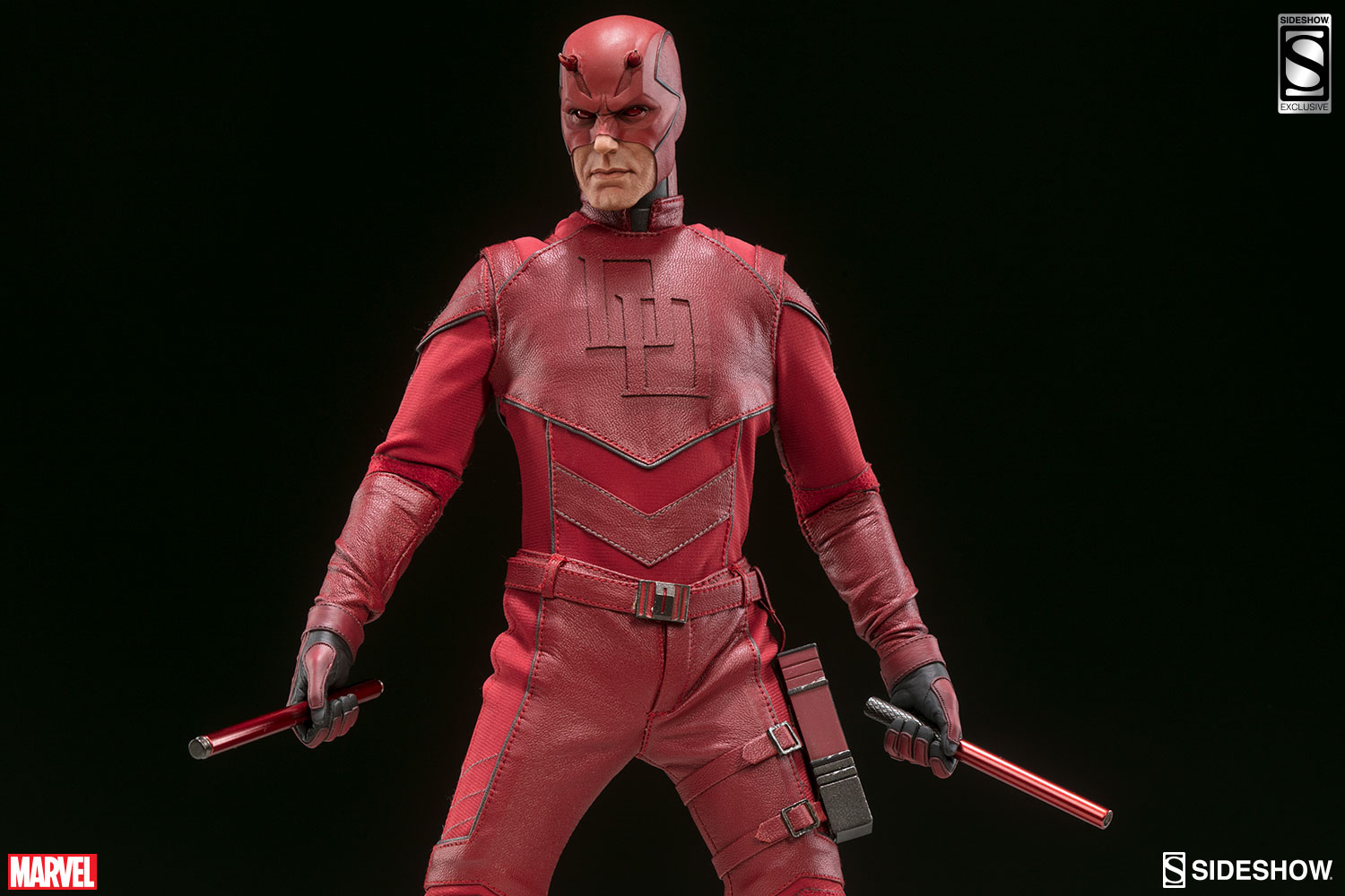 sideshow-daredevil-sixth-scale-figure-2