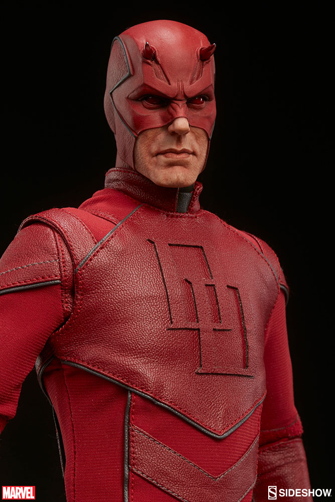sideshow-daredevil-sixth-scale-figure-5