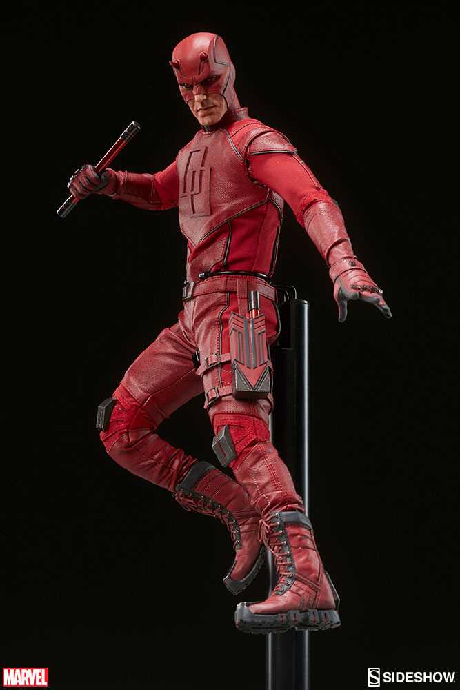 sideshow-daredevil-sixth-scale-figure-6