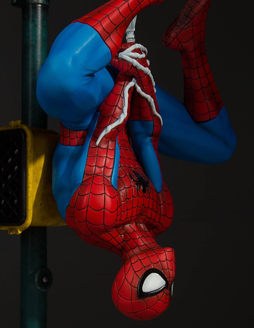 Spider man collectors statue by gentle giant - Images spiderman ...