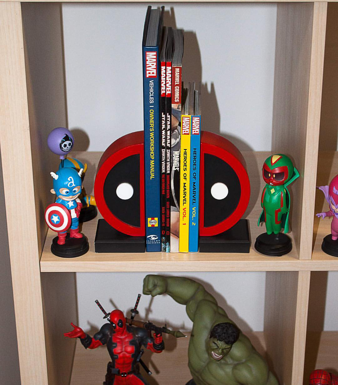 deadpool-book-ends-gentle-giant