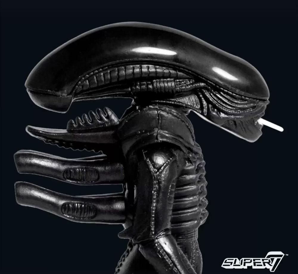 alien-day-big-chap-black-reaction-figure-super7