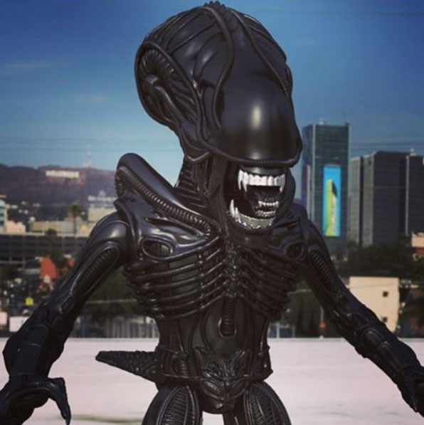the-loyal-subjects-alien-action-vinyls-preview