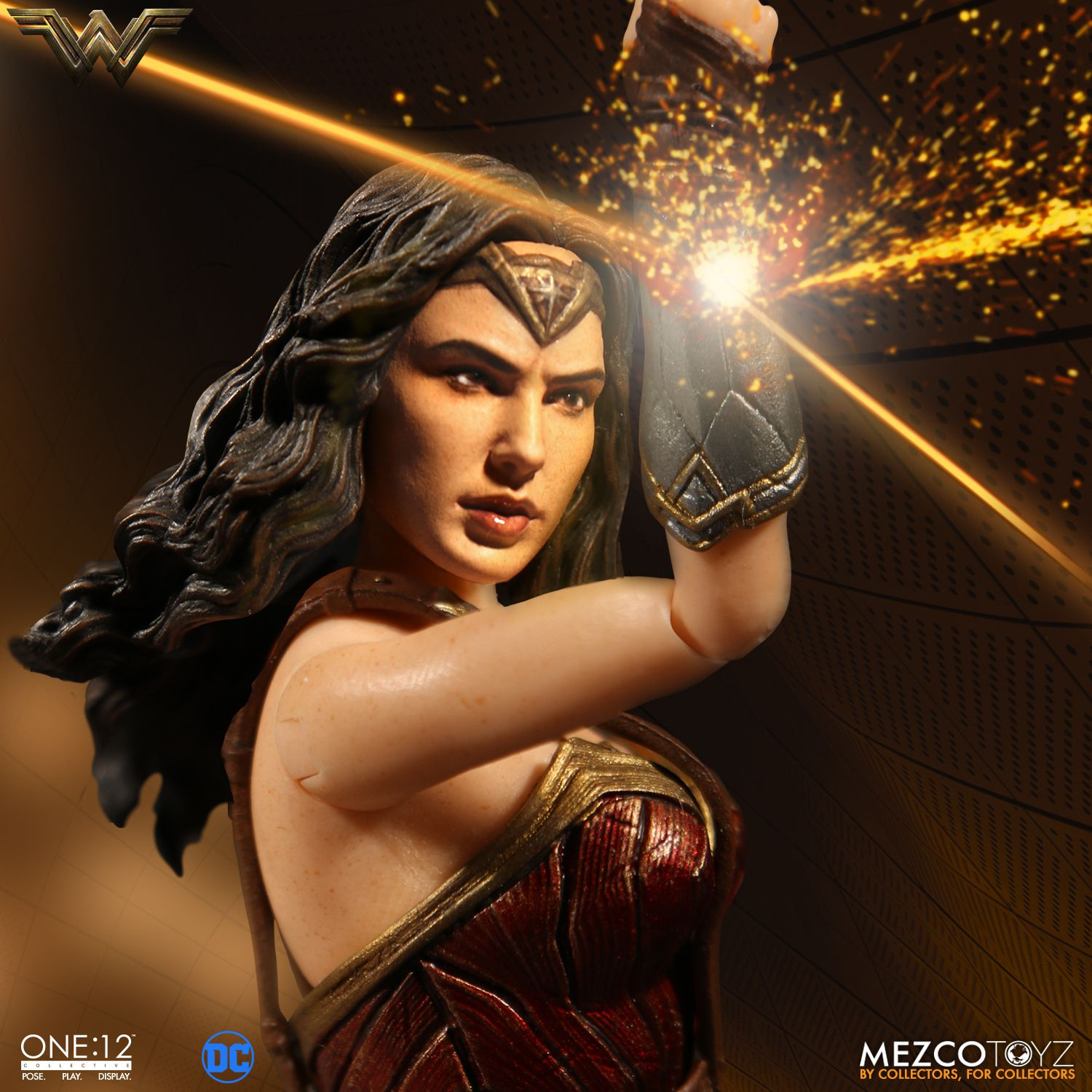 Wonder-Woman-One12-Mezco-002