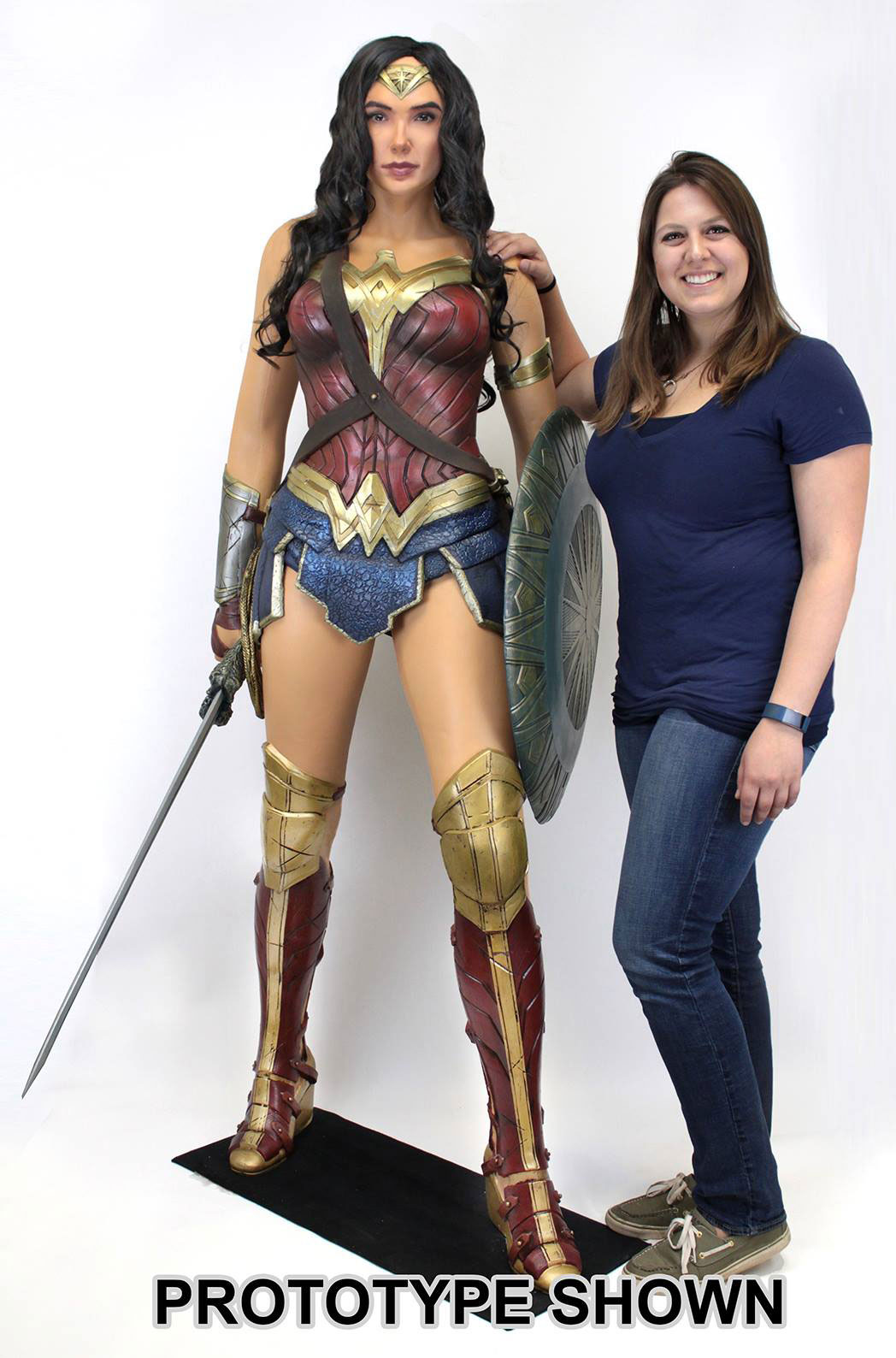 wonder-woman-movie-life-size-figure-neca-2
