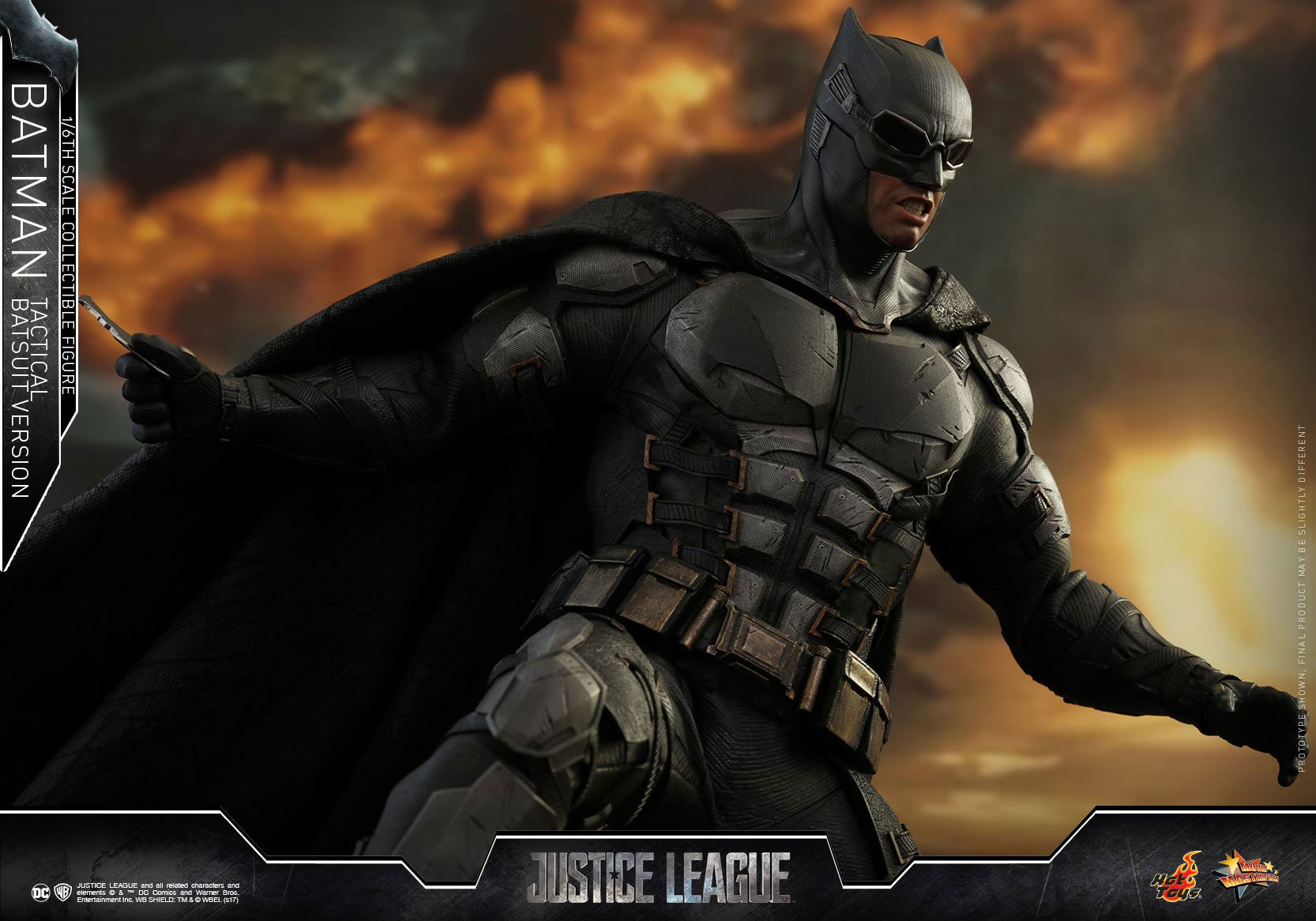 justice-league-batman-tactical-suit-hot-toys-figure-2