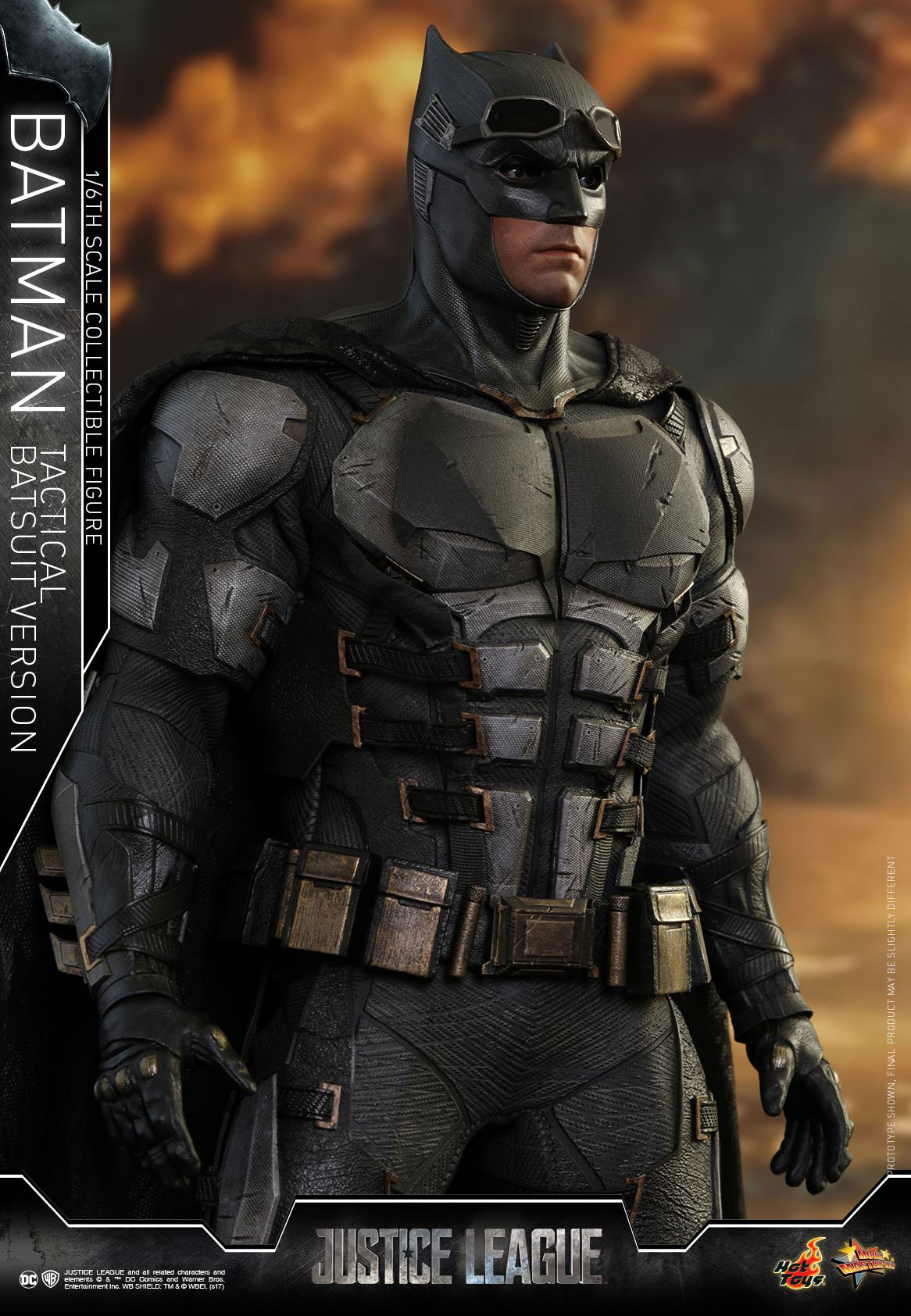 justice-league-batman-tactical-suit-hot-toys-figure-9