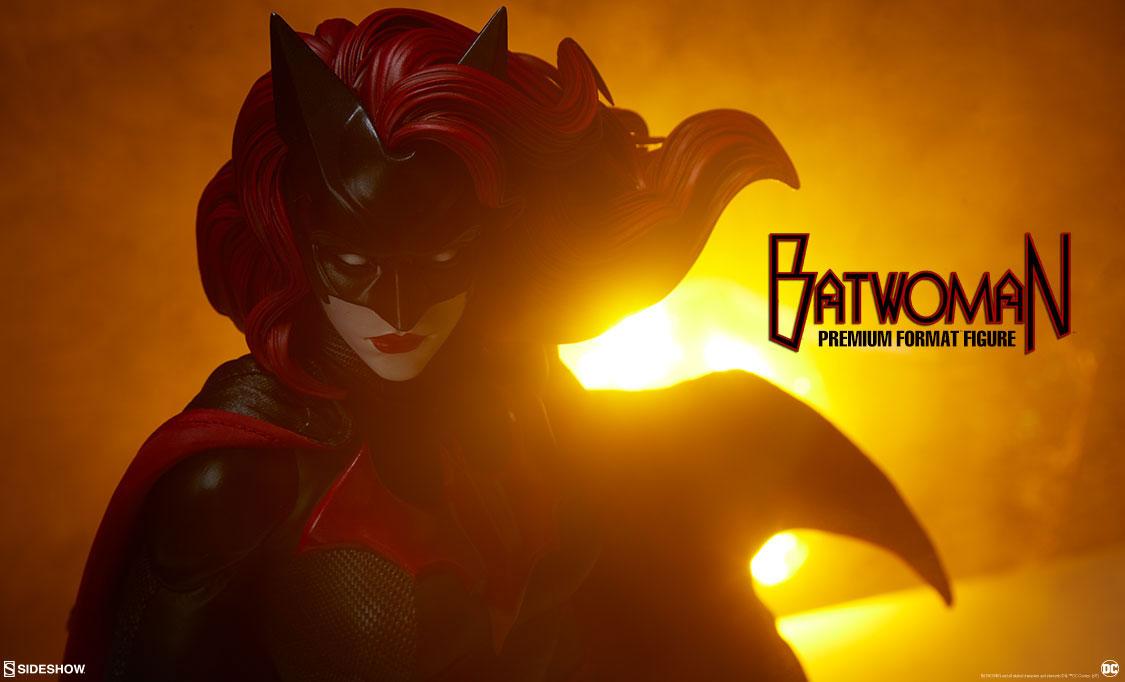 sideshow-batwoman-premium-format-figure-preview