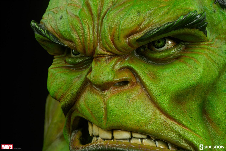 sideshow-hulk-life-size-bust-3