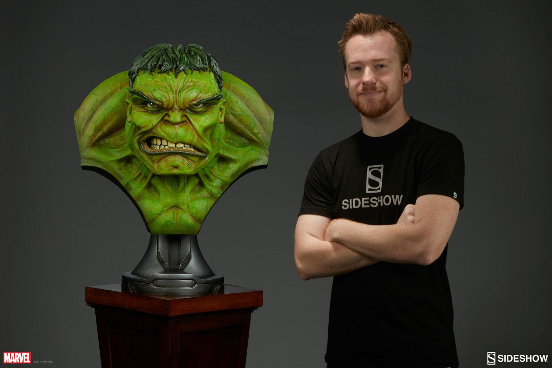 sideshow-hulk-life-size-bust-4