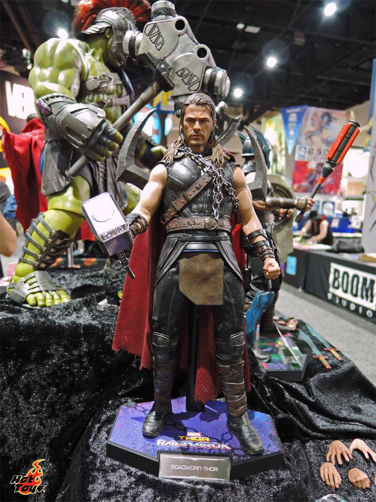 thor-ragnarok-sixth-scale-figures-hot-toys-1