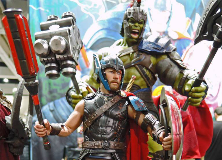 thor-ragnarok-sixth-scale-figures-hot-toys