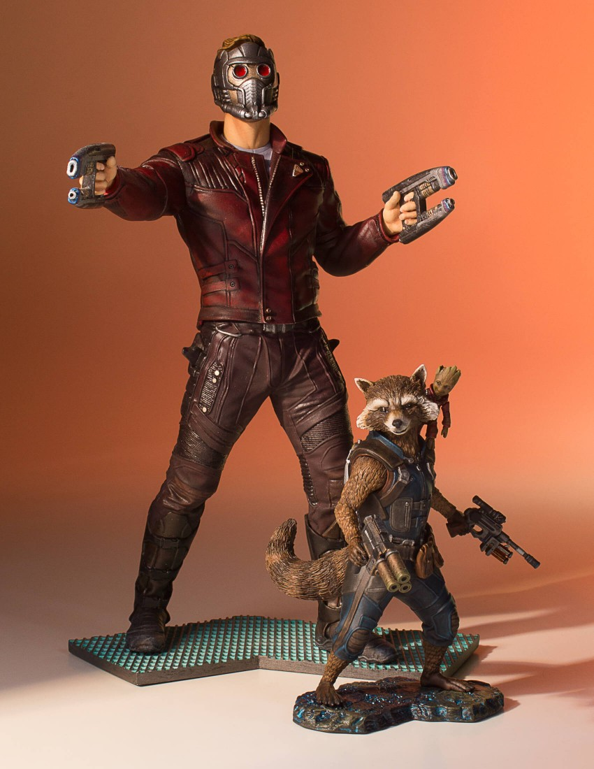 GotG-Vol-2-Rocket-and-Groot-Statue-009