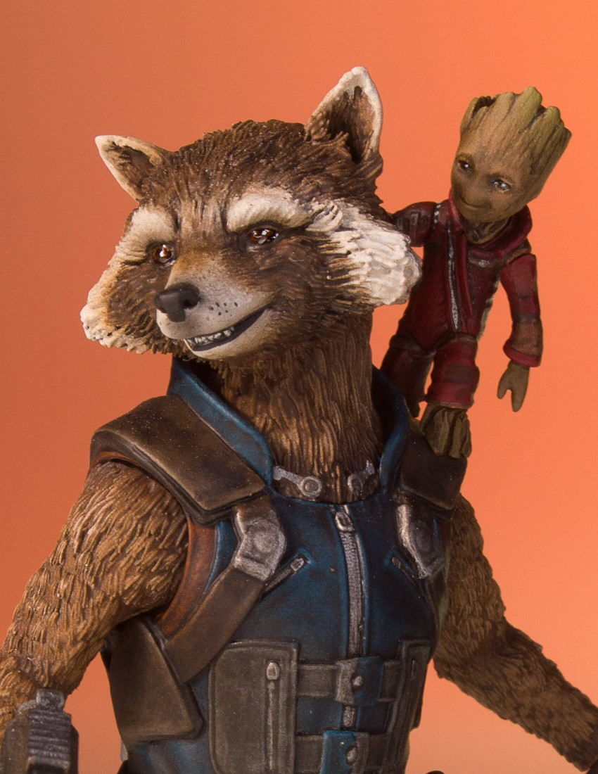 GotG-Vol-2-Rocket-and-Groot-Statue-010