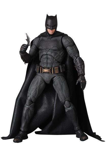 Justice-League-MAFEX-Batman-002