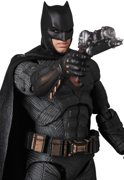 Justice-League-MAFEX-Batman-007