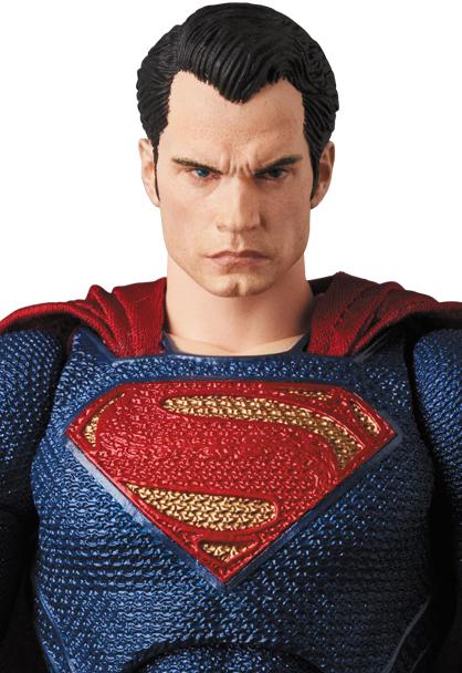 Justice-League-MAFEX-Superman-006