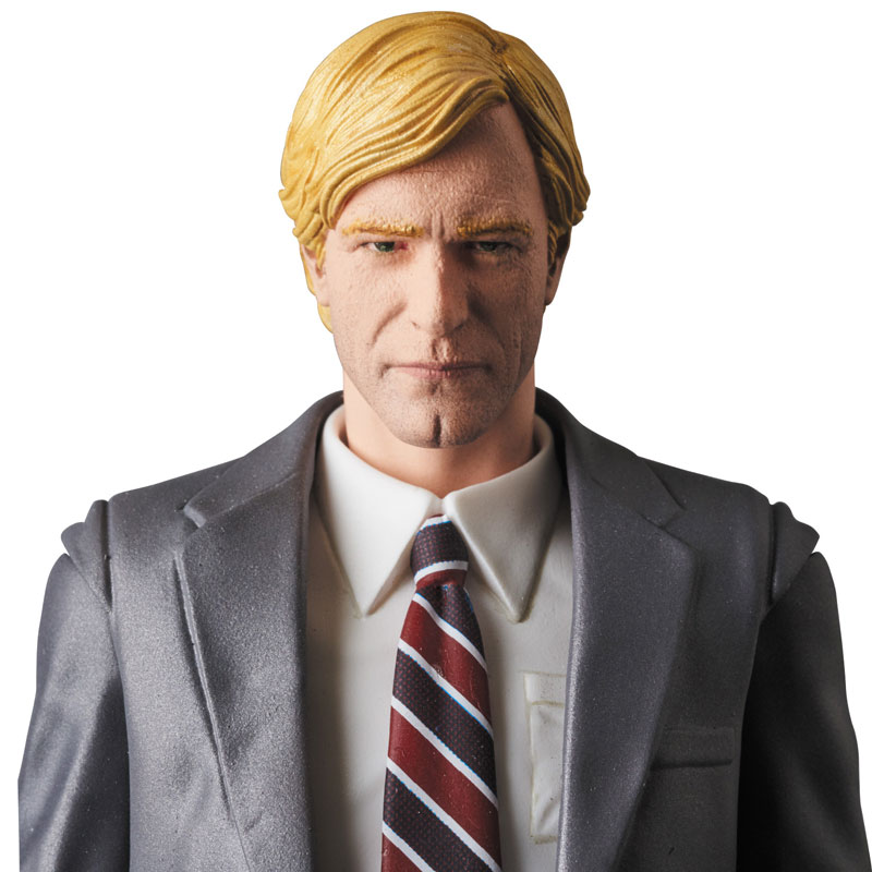 MAFEX-Harvey-Dent-005-1