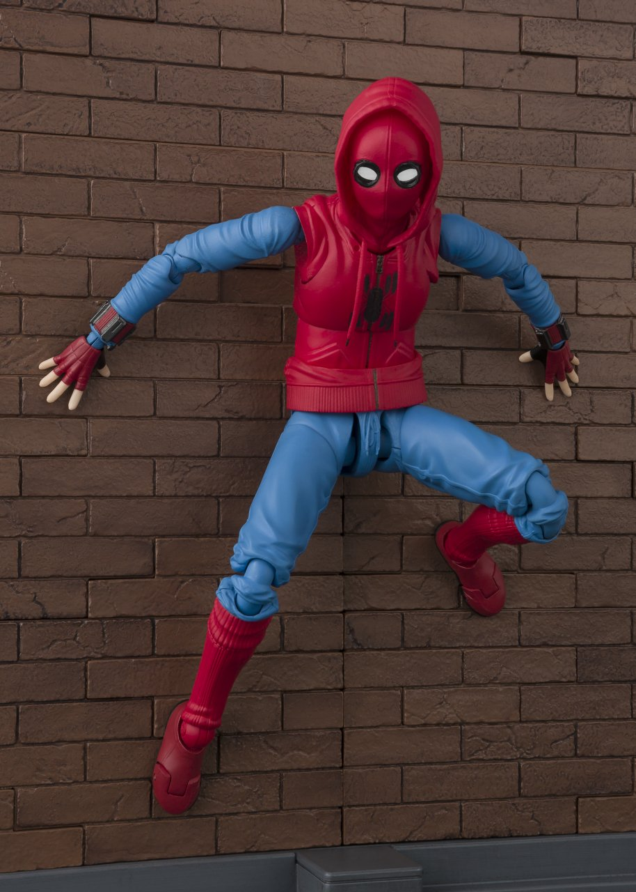 SH-Figuarts-Homemade-Suit-Spider-Man-003-1