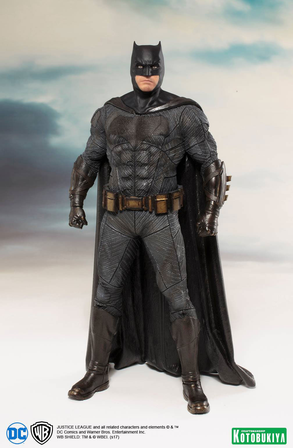 kotobukiya-justice-league-batman-statue