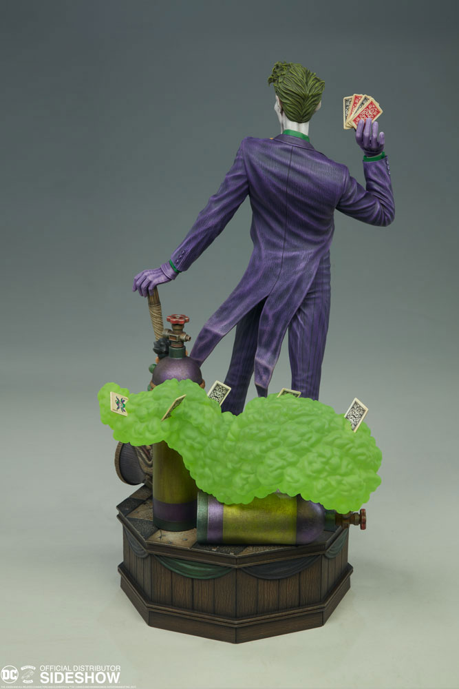 the-joker-maquette-by-tweeterhead-4