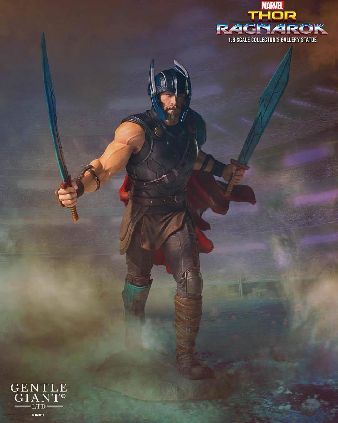 thor-ragnarok-statue-gentle-giant-1