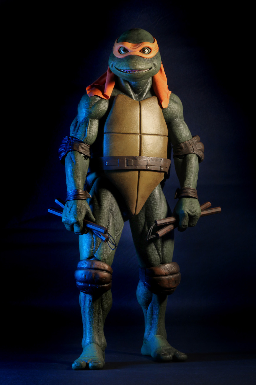 TMNT-1990-Michelangelo-by-NECA-003