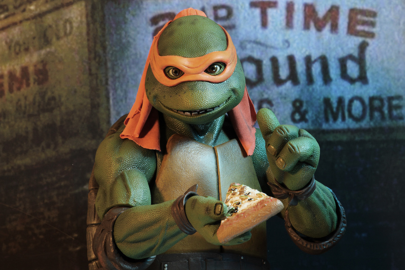 TMNT-1990-Michelangelo-by-NECA-004