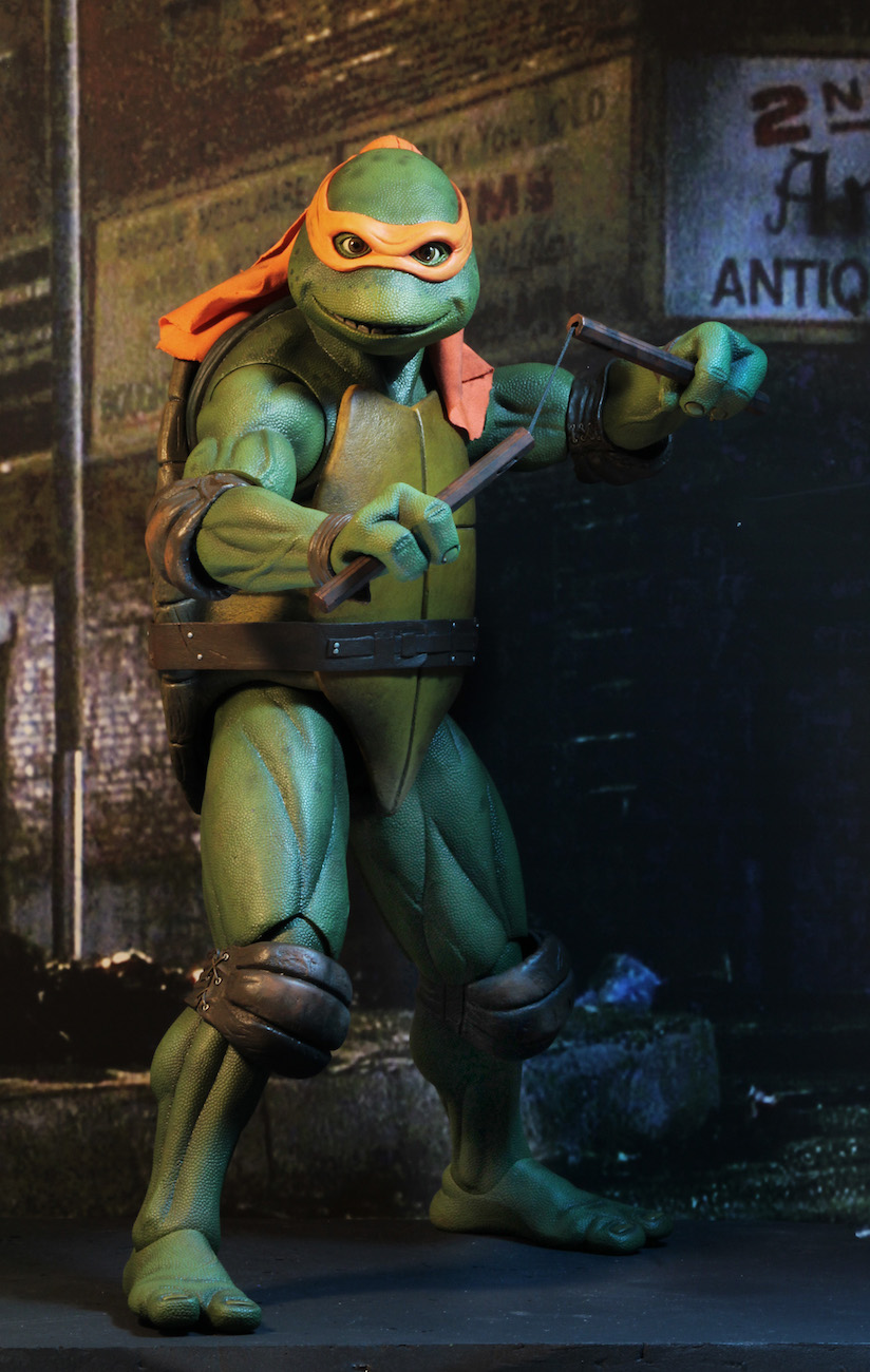 TMNT-1990-Michelangelo-by-NECA-006