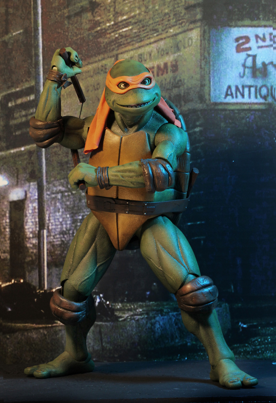 TMNT-1990-Michelangelo-by-NECA-008