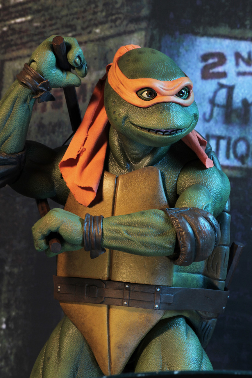 TMNT-1990-Michelangelo-by-NECA-011